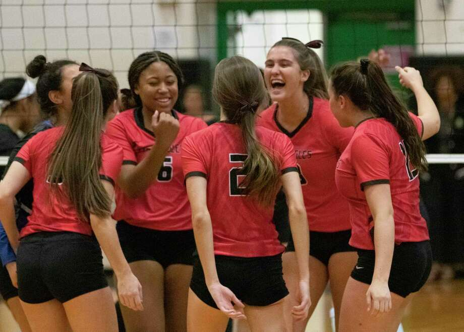 Oak Ridge celebrates after scoring during a Region II-6A bi-district volleyball match Tuesday, November 5, 2019 at Spring High School. Photo: Cody Bahn, Houston Chronicle / Staff Photographer / © 2019 Houston Chronicle