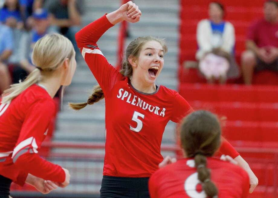 Splendora right side hitter Melaney Owens (5) reacts after a block during the first set of a Region III-4A bi-district volleyball playoff match at Crosby High School, Tuesday, Nov. 5, 2019, in Crosby. Photo: Jason Fochtman, Houston Chronicle / Staff Photographer / Houston Chronicle
