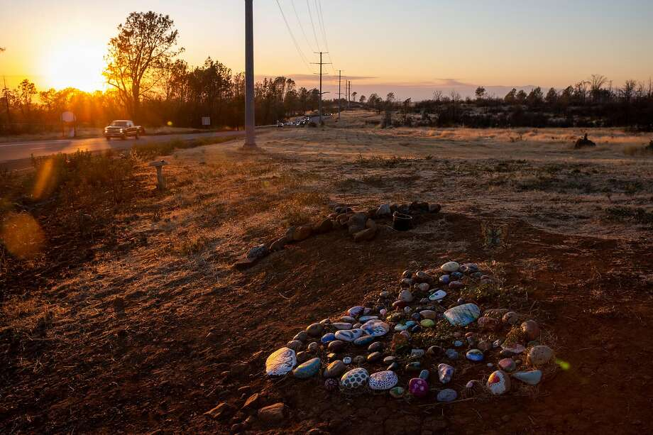 A memorial commemorates those killed in the 2018 Camp Fire in the Butte County community of Paradise. Photo: Santiago Mejia / The Chronicle