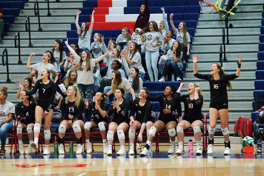 Pearland celebrates a point against Clear Falls Tuesday in a bi-district volleyball match at Clear Lake High School. Photo: Kirk Sides / Staff Photographer / © 2019 Kirk Sides / Houston Chronicle