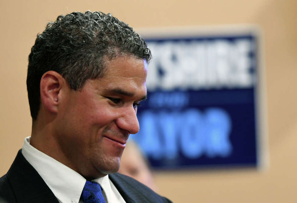 Former City Council President and mayoral candidate Rodney Wiltshire and his wife have left the Democratic party, switching their enrollment to the Independence party.