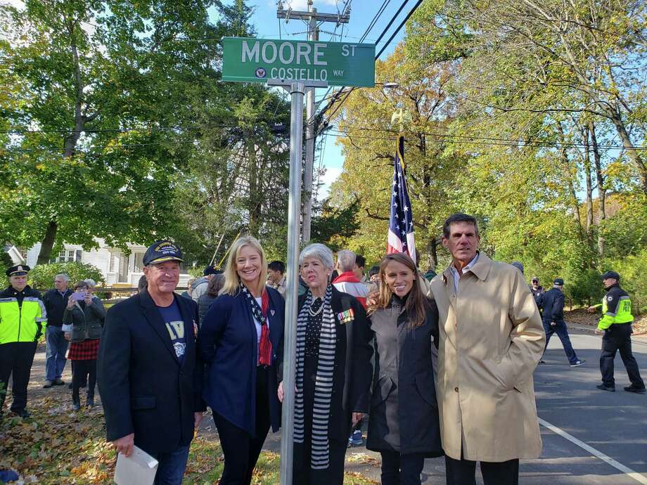From left, Dick Costello, Lucy Berry, Judy Costello Brinkerhoff, Liz Costello, Jim Costello Photo: Sandra Diamond Fox / Connecticut Post