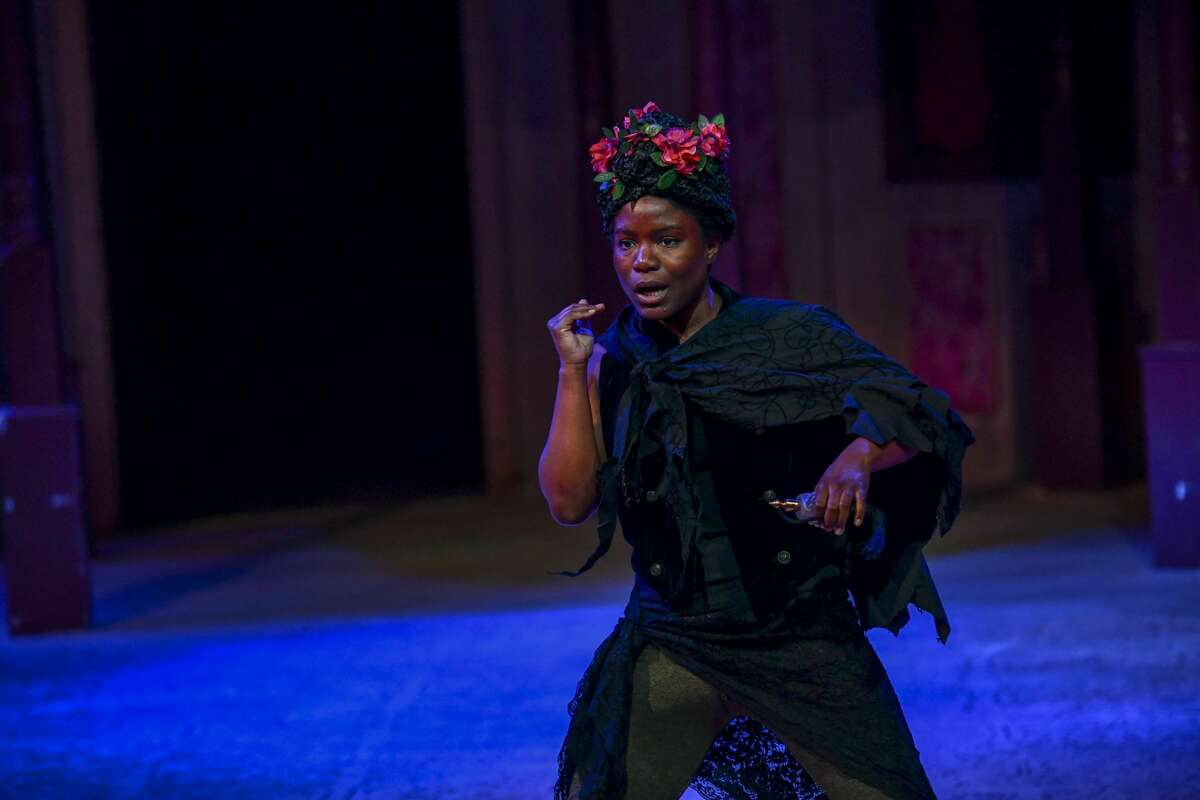 """Shunte Lofton, with the Texas Shakespeare Festival, performs in ?""""A Midsummer Night?•s Dream?• for school children on Monday, Nov. 4, 2019 at the Globe. Jacy Lewis/Reporter-Telegram"""