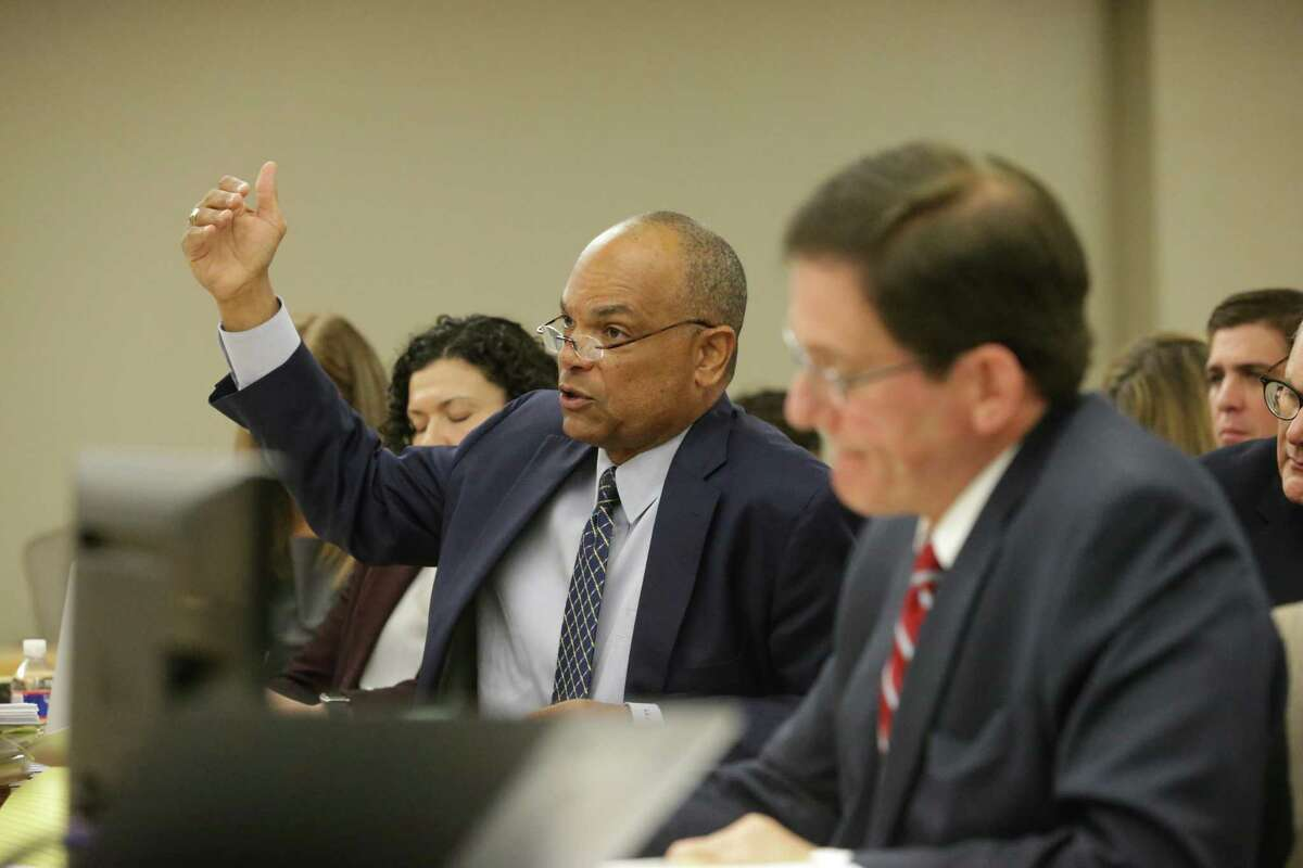 San Antonio attorney Lamont Jefferson, left, defending the Guadalupe-Blanco River Authority, makes a point before Visiting Judge Stephen Ables denied property owners' bid for a temporary injunction to limit the agency's spending.