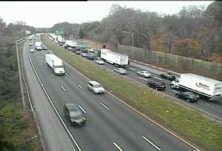 A truck accident is causing heavy southbound delays on I-95 south in Norwalk on Nov. 7, 2019. Photo: DOT Cam