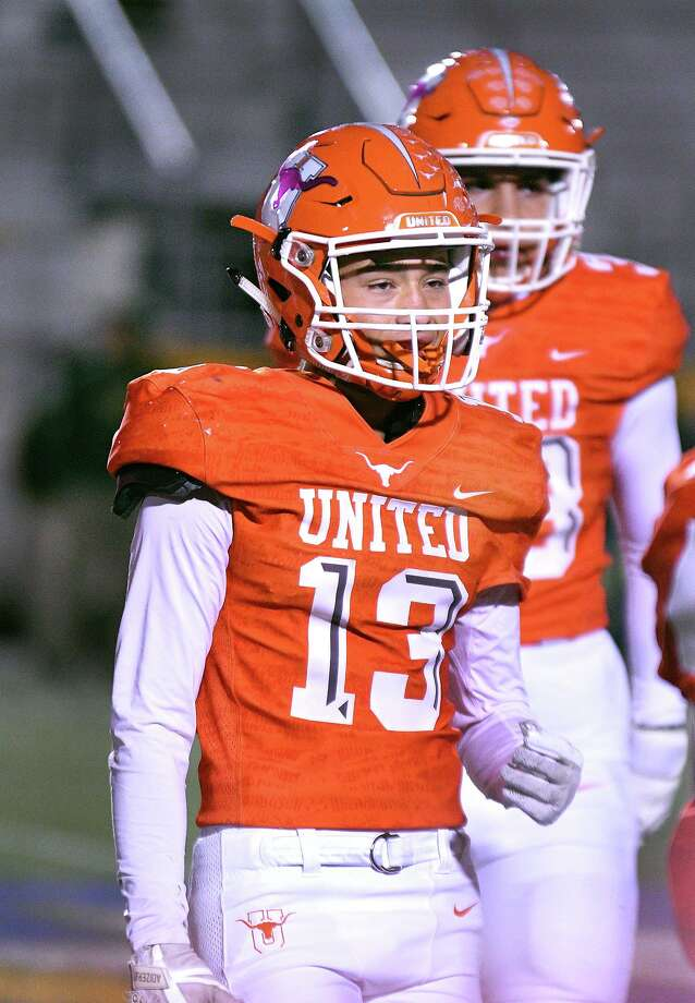 Tristan Vela has 33 tackles and one interception through nine games this season. Photo: Cuate Santos /Laredo Morning Times / Laredo Morning Times