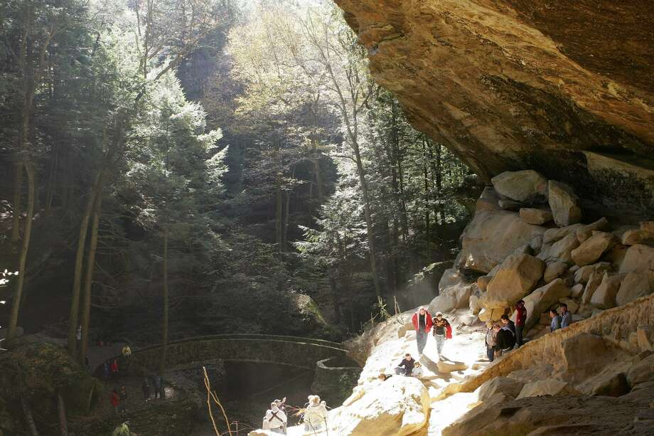 Old Man's Cave, a popular tourist attraction in Hocking Hills State Park in Logan, Ohio, is filled with visitors. Photo: KIICHIRO SATO/ASSOCIATED PRESS
