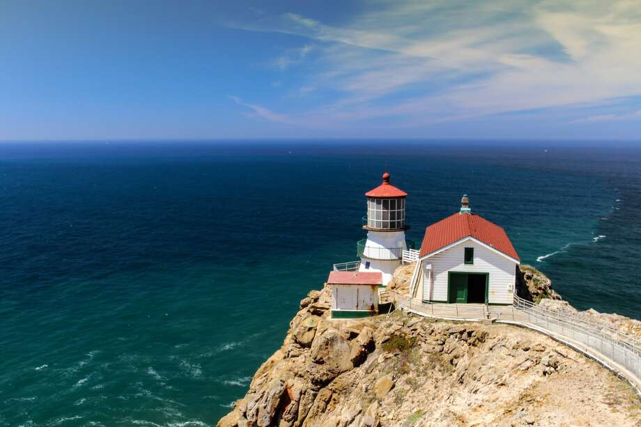 For more than a 100 years, the Point Reyes Lighthouse warned approaching ships of the dangers of the Point's rocky shore. Photo: Stephanie Powell/Getty Images/iStockphoto / ©stephaniepowell2012