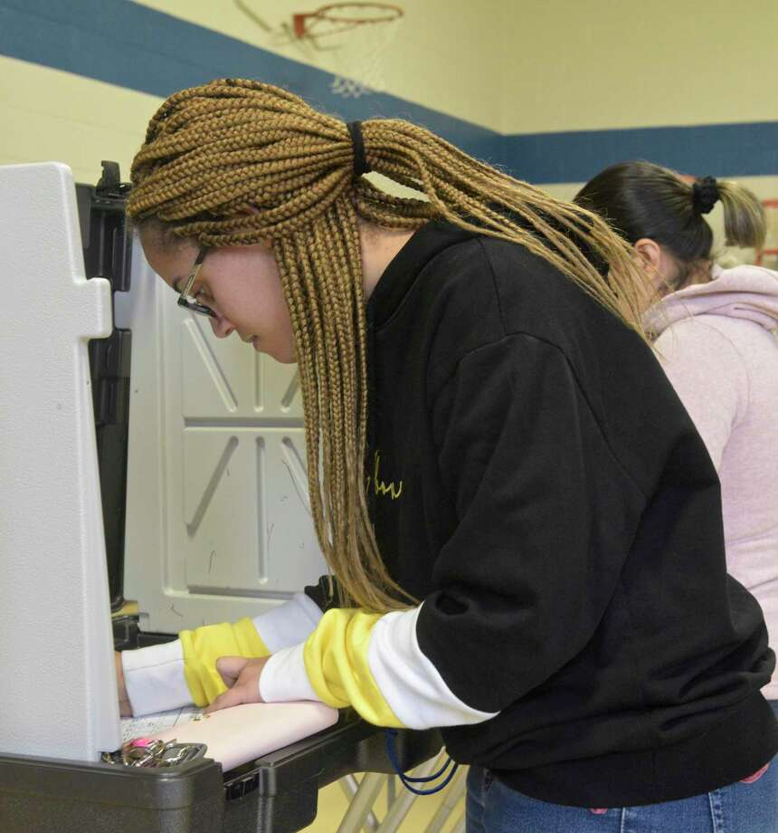 Bayrin Vargas, of Danbury, votes at Shelter Rock School in Danbury, Conn, on Tuesday afternoon November 5, 2019. Photo: H John Voorhees III / Hearst Connecticut Media / The News-Times