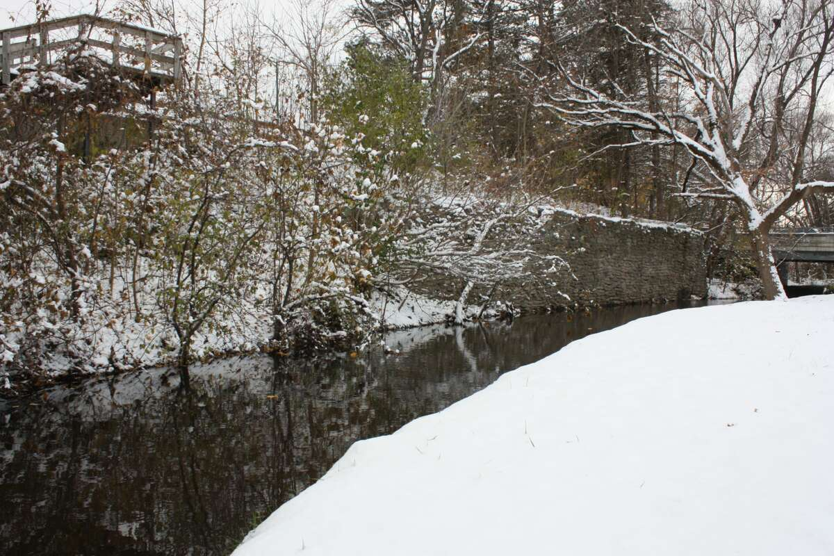 """A snowstorm in the Big Rapids on Wednesday left the area looking like what some may consider a """"Winter Wonderland."""" Here are scenes from the snowfall around town."""