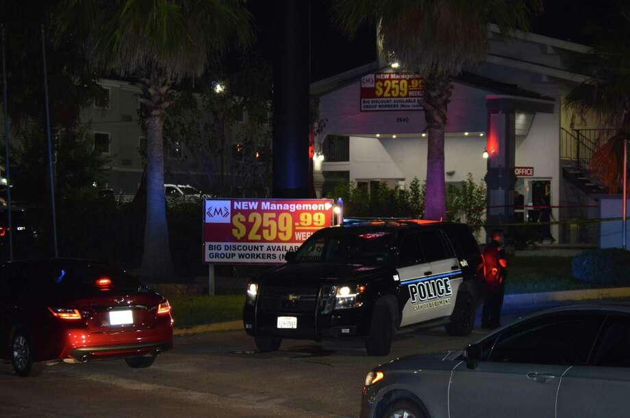 A Beaumont police investigate an officer-involved shooting at a Beaumont hotel early Tuesday morning. Photo taken Oct. 8, 2019. Photo provided by Eric Williams Photo: Photo Provided By Eric Williams