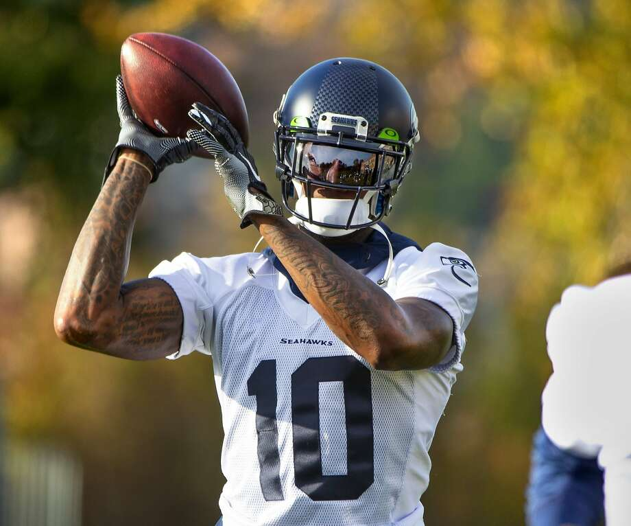 New Seahawks receiver Josh Gordon works out with the team Thursday. Gordon had 20 catches for 287 yards and a touchdown in six games with the Patriots this season. Photo: Mike Siegel / Seattle Times