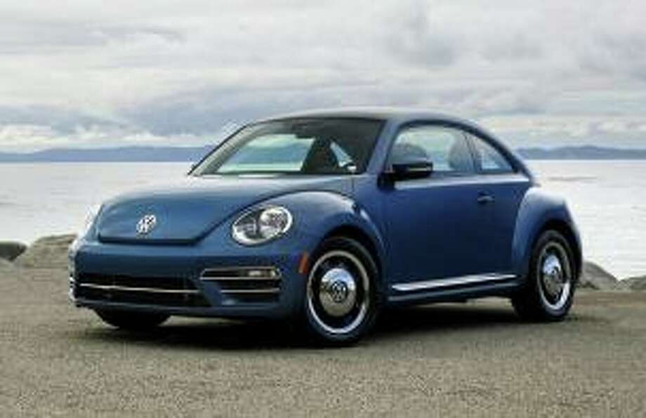 Police say it's possible the responsible driver might have been driving a Volkswagen Beetle- or a Fiat 500-style vehicle. Photo: Contributed Photo / New Milford Police Department