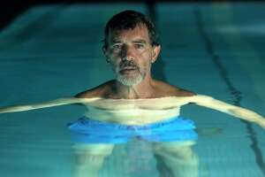 """This image released by Sony Pictures Classics shows Antonio Banderas in a scene from """"Pain and Glory,"""" in theaters on Oct. 4. (Manolo PavA3n/Sony Pictures Classics via AP)"""