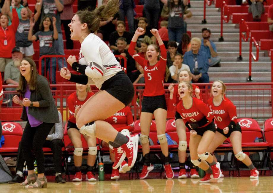 Splendora libero Kayla Martin (17) reacts after defeating Hamshire-Fannett during a Region III-4A bi-district volleyball playoff match at Crosby High School, Tuesday, Nov. 5, 2019, in Crosby. Photo: Jason Fochtman, Houston Chronicle / Staff Photographer / Houston Chronicle