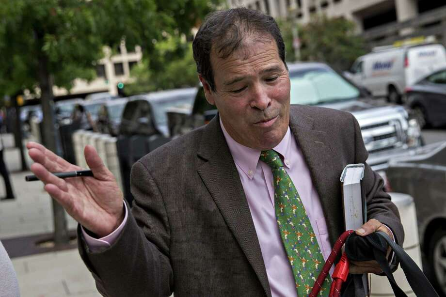 Randy Credico, a New York radio host and associate of Roger Stone, outside federal court in Washington, D.C., on Sept. 7, 2018. Photo: Bloomberg Photo By Andrew Harrer / Bloomberg