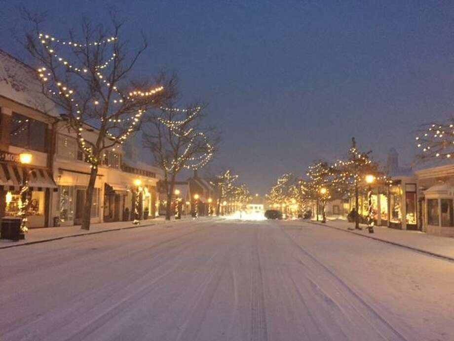 The New Canaan Chamber of Commerce is asking the public for help in lighting the downtown this holiday season. Photo: Contributed Photo / New Canaan Chamber Of Commerce / New Canaan Advertiser Contributed
