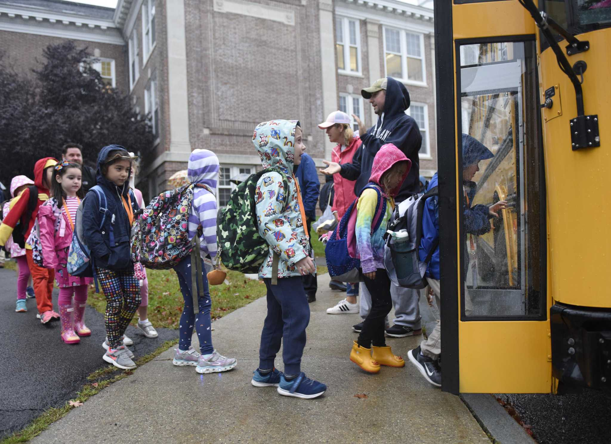 Thumbs up to makeover for Roger Sherman Baldwin Park, saving school jobs