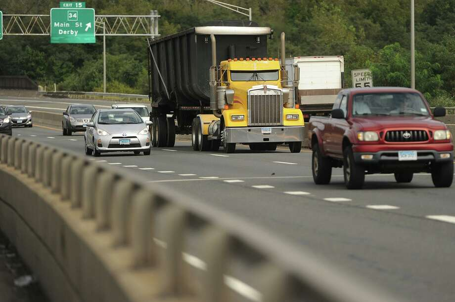 Traffic on Route 8. Photo: Brian A. Pounds / Hearst Connecticut Media / Connecticut Post