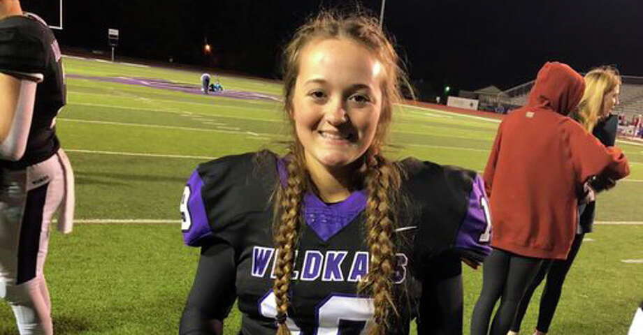Quarterback Emilee Buhl made history Friday as the first female to make it through Willis' football program and onto the varsity squad Photo: Dave Fanucchi