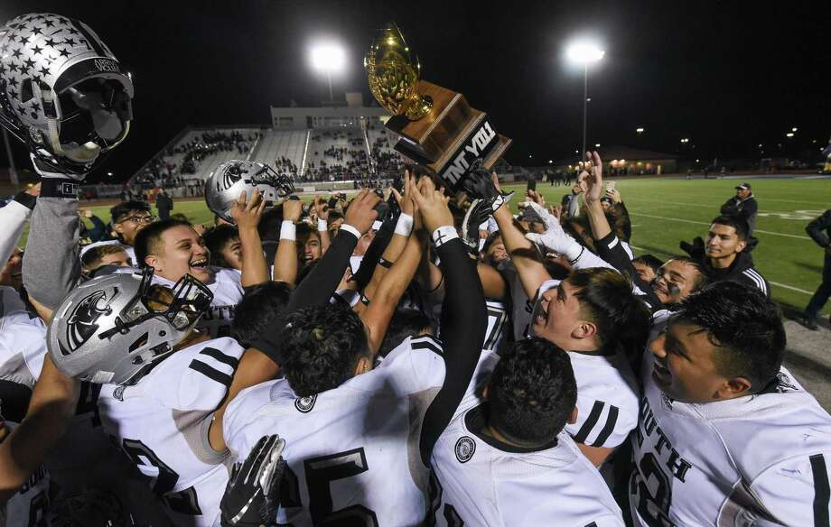 United South won District 29-6A last season after it went undefeated in league play. Photo: Danny Zaragoza /Laredo Morning Times File
