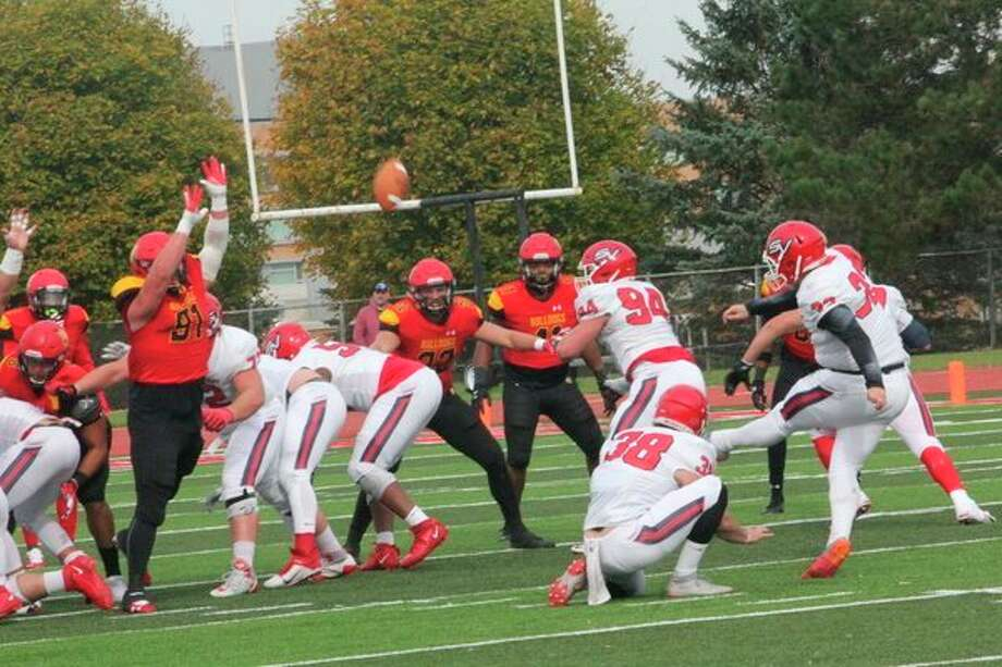 Ferris football's defense hopes to get the job done against Grand Valley today. (Pioneer photo/John Raffel)