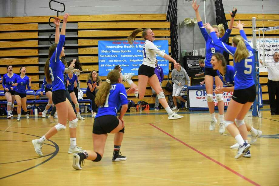 Fairfield Ludlowe won the 5th set 15-9 to take the FCIAC volleyball championship 3-2 over Westhill on Nov. 9, 2019 in Fairfield, Connecticut. Photo: Matthew Brown / Hearst Connecticut Media / Stamford Advocate