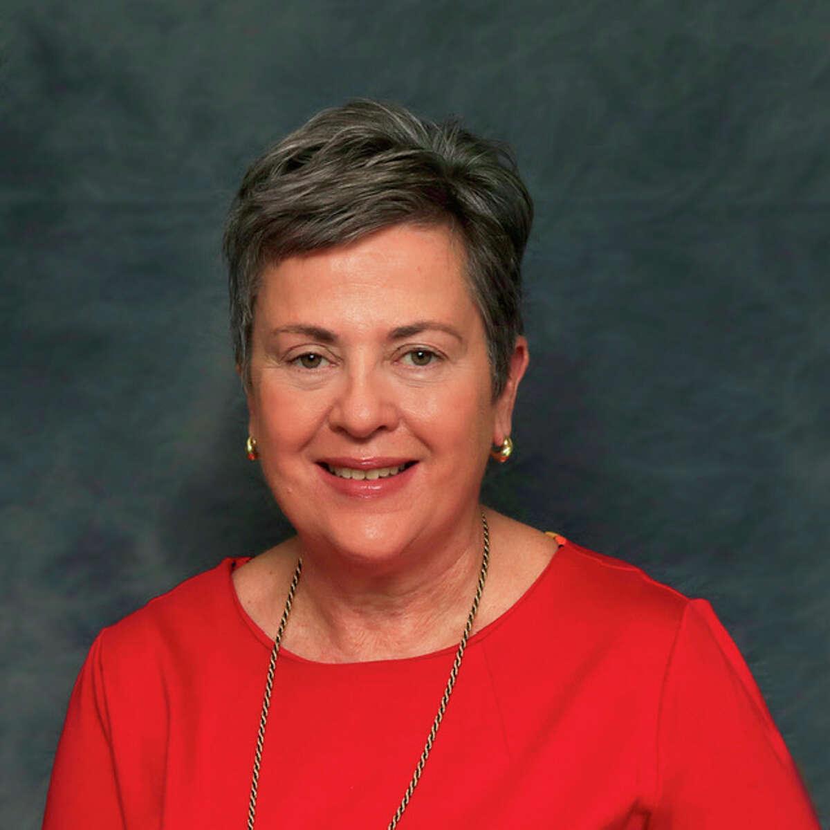 Cindy Hollowood