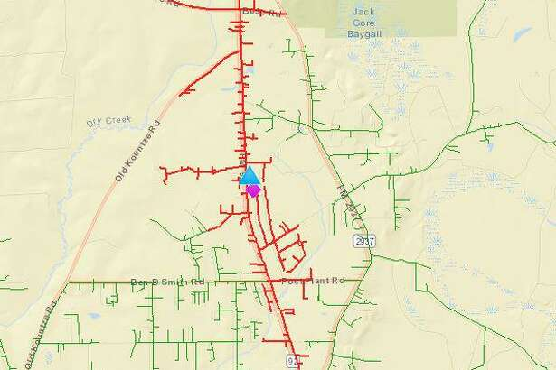 Over 400 homes were without power in Silsbee on Monday morning after a tractor trailer blazed under power lines around 6:30 a.m. at a rural intersection north of the city.
