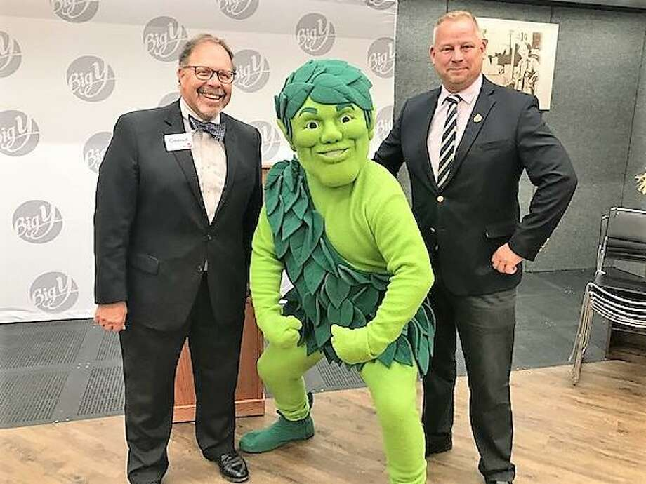 Derby Mayor Richard Dziekan, right, with Big Y CEO/President Charlie D'Amour, left, and the Green Giant at the opening of the new Derby Big Y. Photo: Jean Falbo-Sosnovich / For Hearst Connecticut Media