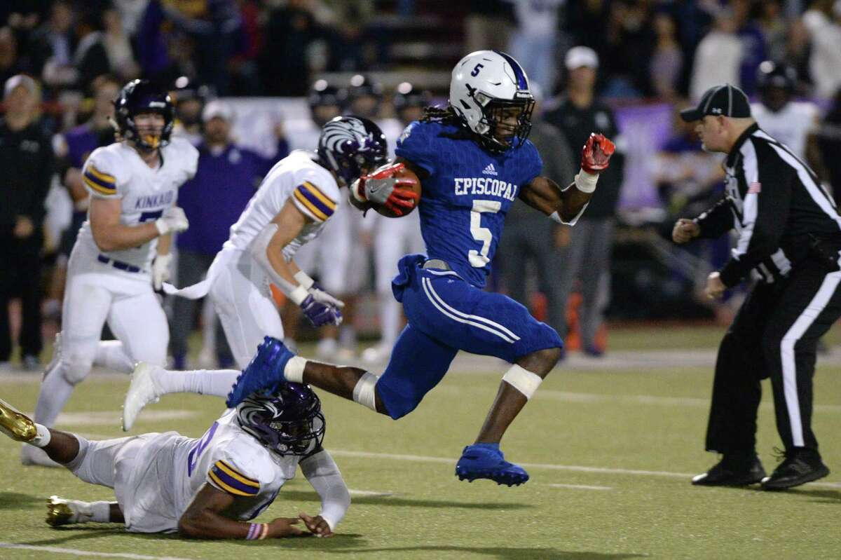 Quon Marion (5) of Episcopal returns a kickoff 65 yards for a touchdown during the second quarter of a high school football game between the Kinkaid Falcons and the Episcopal Knights on Saturday, November 9, 2019 at Butler Stadium, Houston, TX.