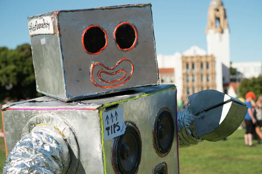 Chris Hirst brings the Robot Dance Party to Dolores Park Photo: Robot Dance Party