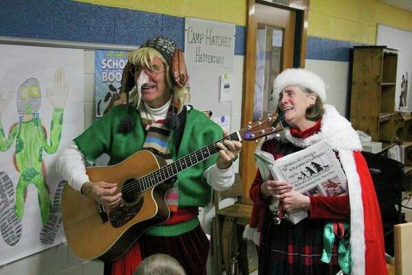 In addition to arts, crafts and food visitors to the Mistletoe Marketplace also had live entertainment. (Scott Nunn/Huron Daily Tribune)