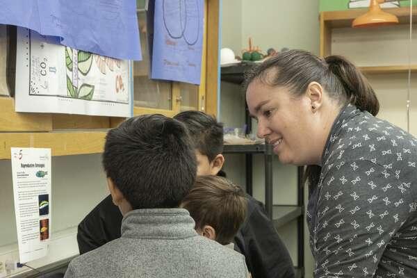Nikki McCurry works with her students 11/07/19 at Goddard Junior High. Tim Fischer/Reporter-Telegram