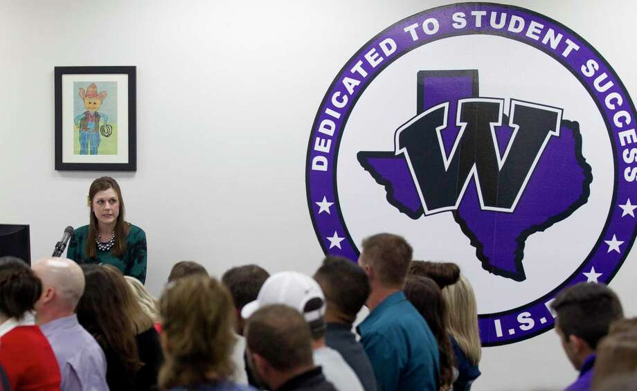 Willis High School Principal Stephanie Hodgins speaks during the public comment portion of a Willis ISD school board meeting, Monday, Nov. 11, 2019, in Willis. Members of the public shared their views after the district hosted a Houston-area drag queen for a make-up application lesson for cosmetology students in October. Conroe ISD Board Trustee Dale Inman initially spoke out against the district, and is claiming district officials are now retaliating against his wife, Kelley, who teaches in the district. Photo: Jason Fochtman, Houston Chronicle / Staff Photographer / Houston Chronicle