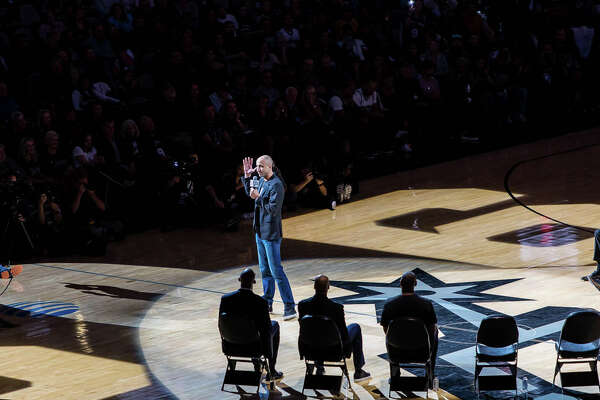 The cold weather didn't stop Spurs fans from heating up the AT&T Center Monday night, Nov. 11, 2019 as they honored Tony Parker's career.