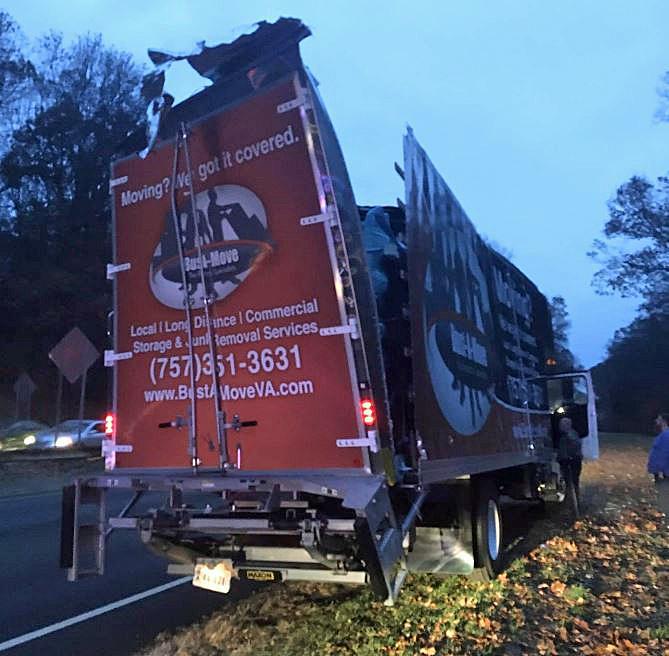Tractor-trailer truck slams into Merritt Parkway bridge - Thehour.com
