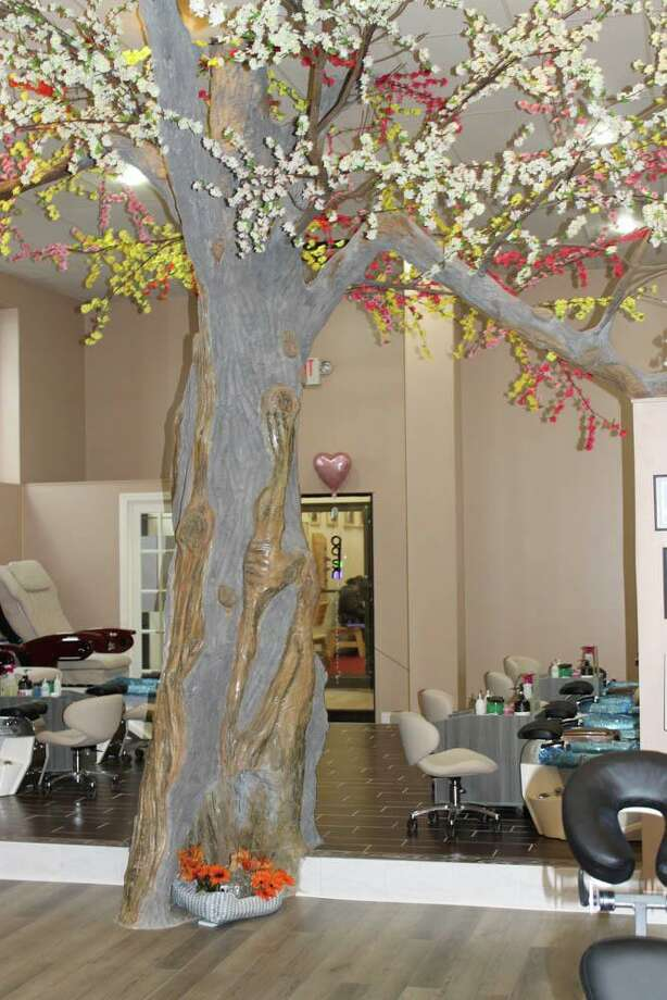 Diamond Nail Spa at 1 Melilli Plaza in Middletown held a grand opening Oct. 22, 2019. Photo: Contributed Photo