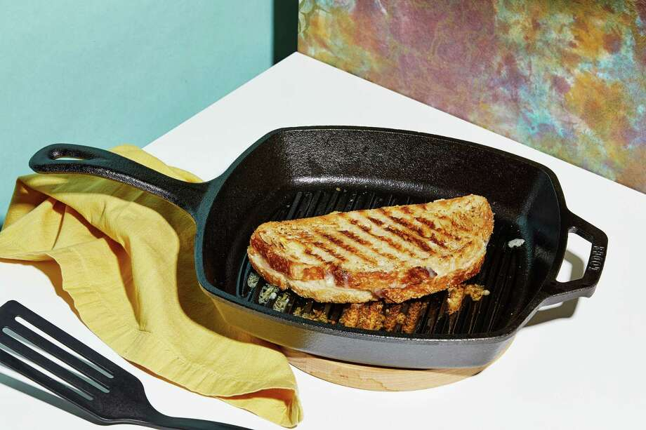 Lodge Square Grill Pan. Photo: Photo By Tom McCorkle For The Washington Post. / For The Washington Post