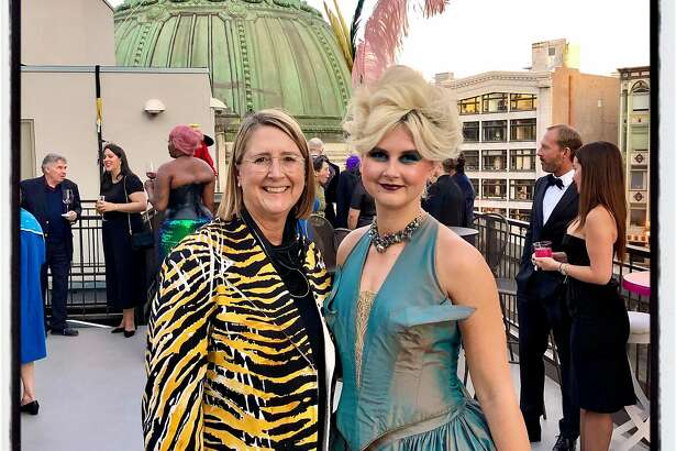 Priscilla Geeslin (left) and her daughter, Catherine Geeslin, co-chaired the ACT Fall Gala. Nov., 2019.