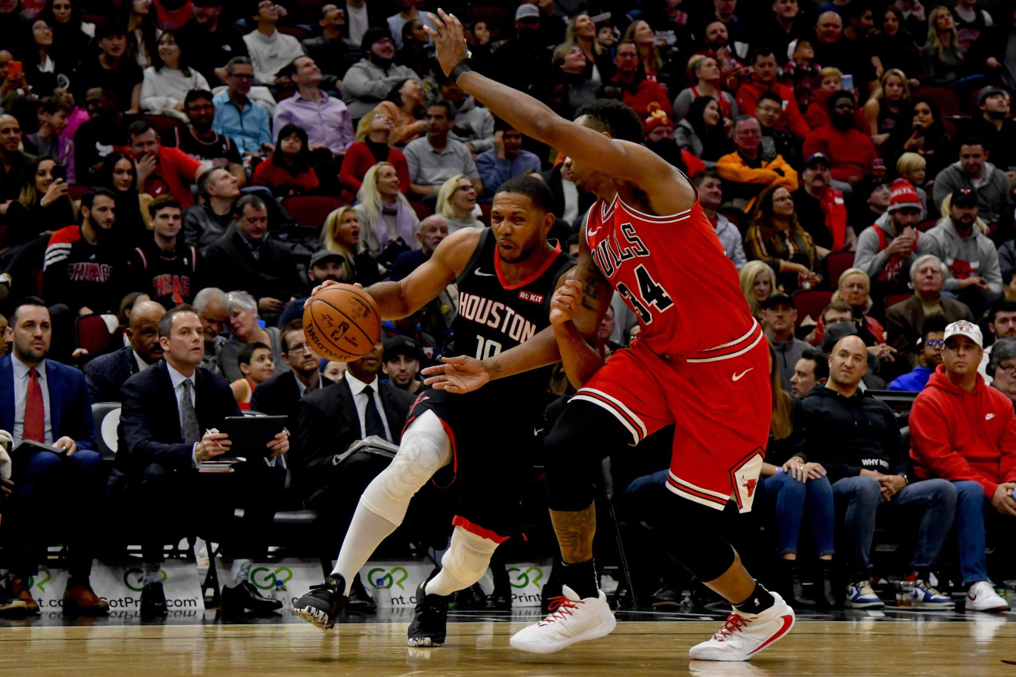 Eric Gordon out for six week as Rockets schedule gets tougher