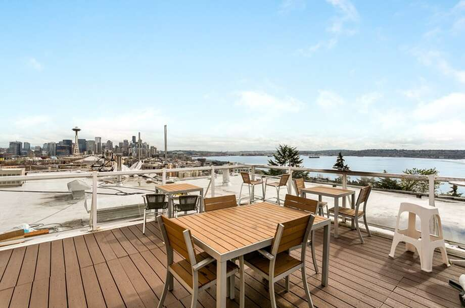 530 W. Olympic Pl., #102, listed for $380,000. See the full listing here. Photo: Listed By David Palmer • Redfin Corp.