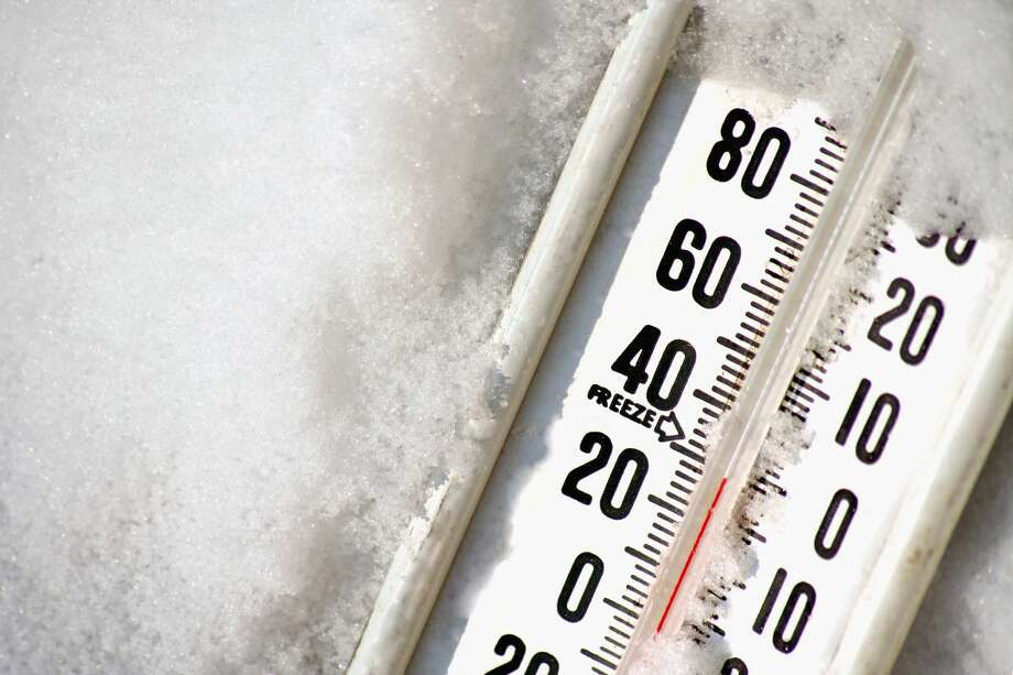 Thermometer in ice Photo: Rodehi/Getty Images/iStockphoto