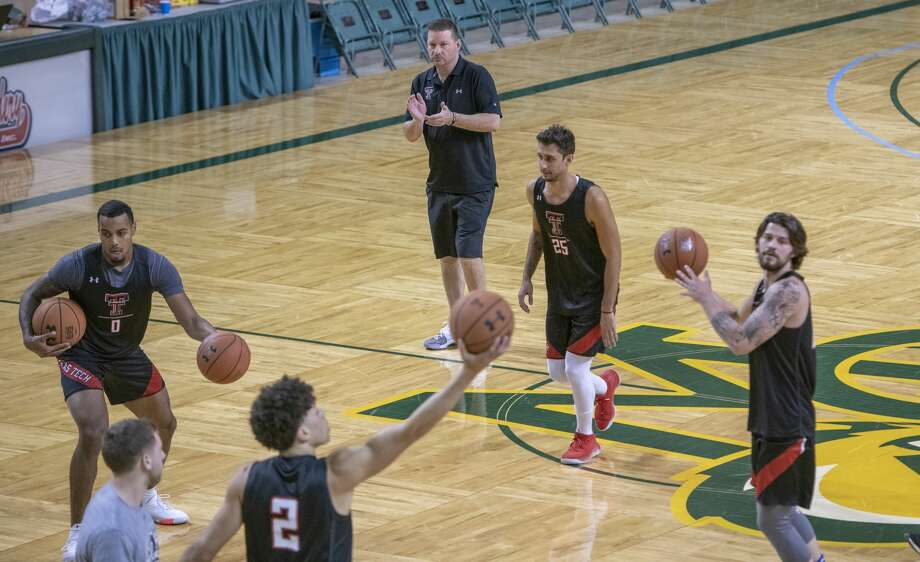 Texas Tech basketball head coach Chris Beard watches as his team practices 11/12/19 evening at Midland College as they prepare to play a game today against Houston Baptist University. Tim Fischer/Reporter-Telegram Photo: Tim Fischer/Midland Reporter-Telegram