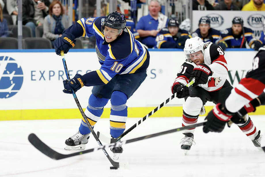 The Blues' Brayden Schenn (10) shoots as Arizona Coyotes' Phil Kessel (81) defends Tuesday night in St. Louis. Photo: AP Photo