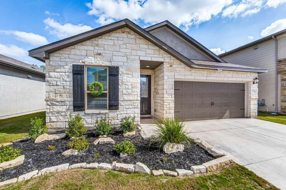 12226 Chena Lake, San Antonio TX, 78249 WHY WAIT TO BUILD -BETTER THAN NEW & MOVE-IN READY! Same floor plan as Model (Rio Grande) & shows like a model! Open floor plan w/lots of extras - landscaping, blinds, upgraded fixtures, bay windows at Dining & Master, gas cooking, quartz counters in Kitchen & both baths, gas stub out at back porch & Ring doorbell with camera! Washer & Dryer convey! Greenbelt lot with no neighbors behind for added privacy. Gated community & hard-to-find new home INSIDE 1604 close to Medical Ctr, UTSA, USAA & La Cantera! Contact: Kim Clark – (210) 827-7355 Keller Williams City View Photo: Photo By Keller Williams City View