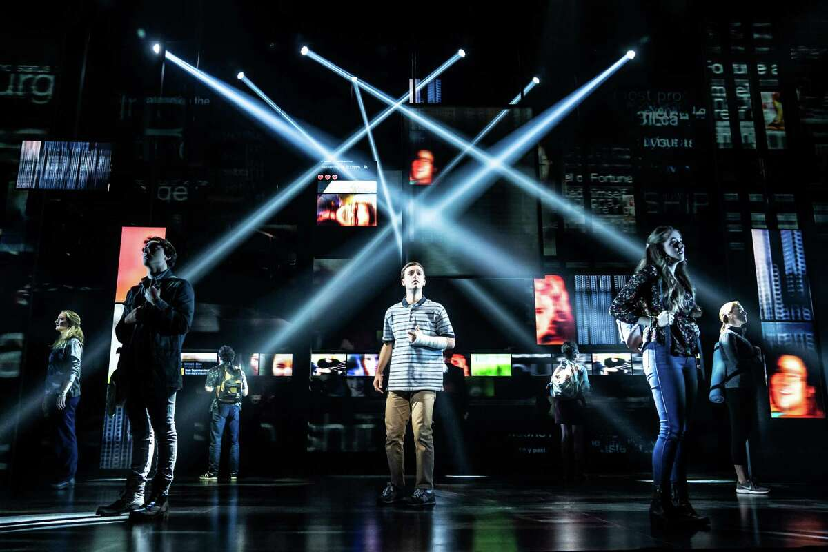 Stephen Christopher Anthony as 'Evan Hansen' and the North American touring company of Dear Evan Hansen