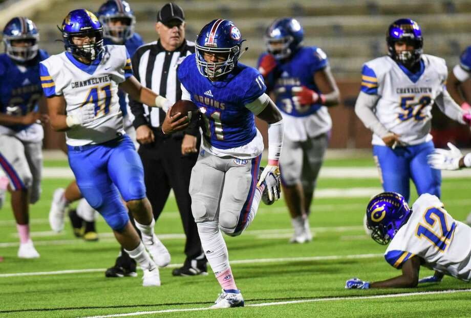 West Brook's Bryce Anderson runs the ball down the field for a touchdown during the third quarter of the game at BISD's Memorial Stadium Friday night. Photo taken on Friday, 10/11/19. Ryan Welch/The Enterprise Photo: Ryan Welch, Beaumont Enterprise / The Enterprise / © 2019 Beaumont Enterprise