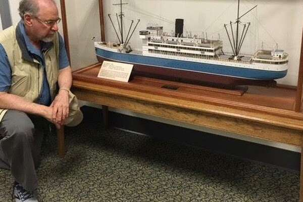 Rabbi Alvin Wainhaus of Congregation Or Shalom of Orange visited a replica of theS.S. Quanza at theRichmond School of Law.