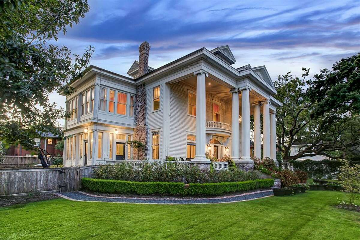 AFTER: First built in 1912, this $2.2M home is located off Brandt Street in the Montrose Historic District and once housed Rice University's first president, Edgar Odell Lovett. At 6,001 square feet, the four bedroom, three and half bathroom estate was renovated in 2011, transforming from a dilapidated home to a chic and modern piece of history.
